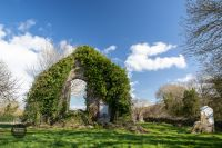 panoramic-ireland-old-walls-blue-sky-churchtown-7661