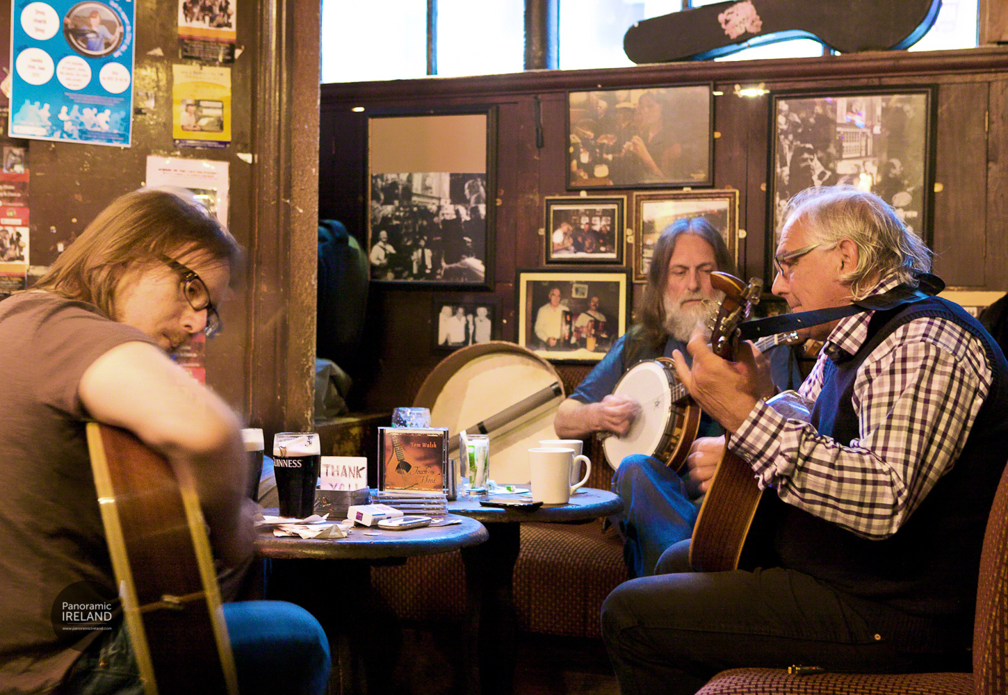 Tom Walsh playing traditional music at O'Donoghue's Dublin, home of The Dubliners
