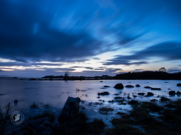 Blue Hour in Ireland's West, time for silhouettes and shadows. Landscape photography with Panoramic Ireland.