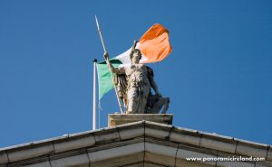 panoramic-ireland-dublin-photo-tours-irish-flag-gpo